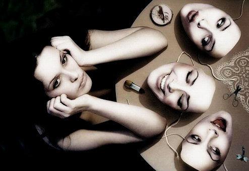 Quem é você, qual sua máscara?